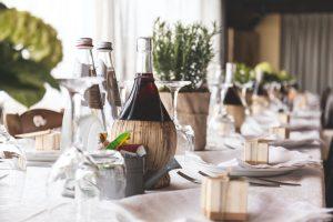 Comment créer une décoration champêtre pour son mariage ?